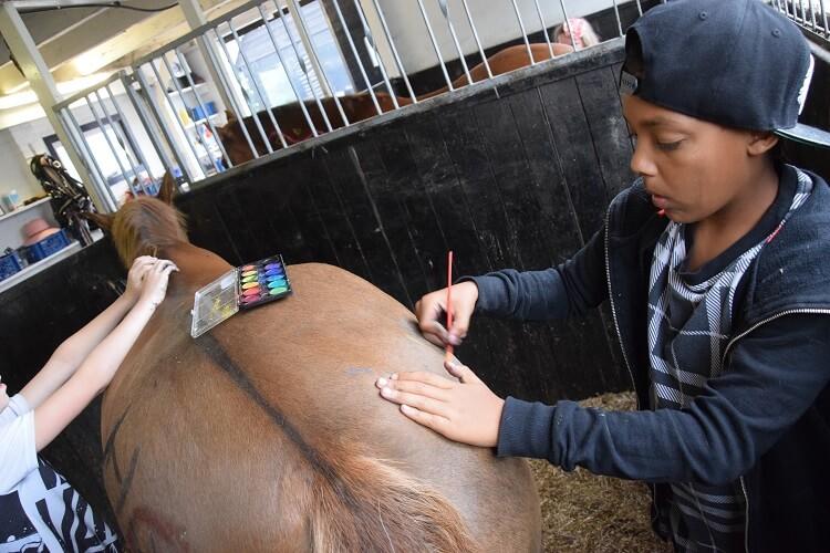 Ouder-kindweekend: maak van een paard een kunstwerk
