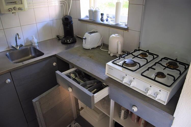 Vakantiehuisje in Drenthe keukentje
